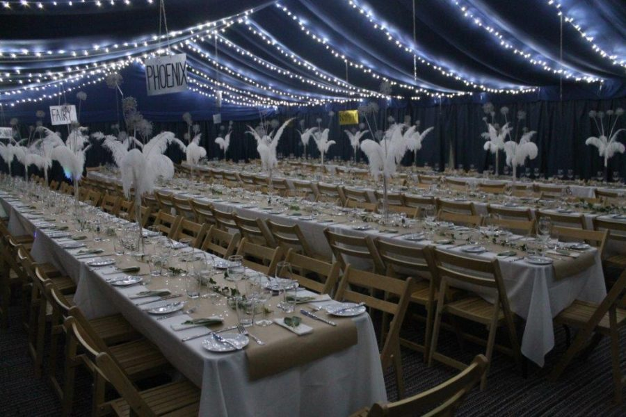 15m x 10m to seat 150 guests